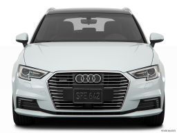 Display Front view of the Audi A3 e-tron