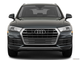 Display Front view of the Audi Q5 PHEV