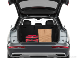 Display Trunk view of the Audi Q5 PHEV
