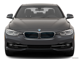 Display Front view of the BMW 330e