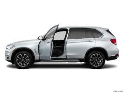 Display Side view of the BMW X5