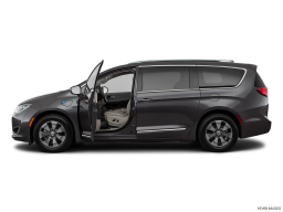 Display Side view of the Chrysler Pacifica