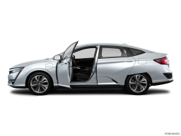 Display Side view of the Honda Clarity Plug-In Hybrid