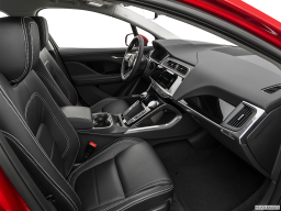 Display Interior view of the Jaguar I-Pace