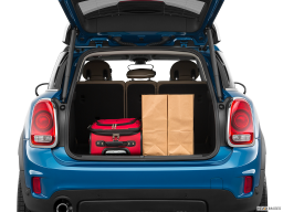 Display Trunk view of the MINI Cooper S E Countryman All4