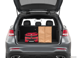 Display Trunk view of the Mercedes-Benz GLC350e
