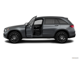 Display Side view of the Mercedes-Benz GLC350e