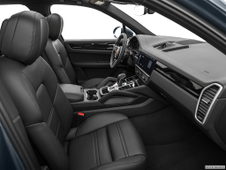 Display Interior view of the Porsche Cayenne S E Hybrid