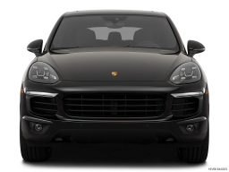 Display Front view of the Porsche Cayenne S E Hybrid