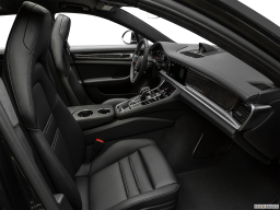 Display Interior view of the Porsche Panamera 4 E-Hybrid