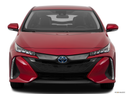 Display Front view of the Toyota Prius Prime
