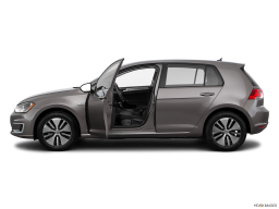 Display Side view of the Volkswagen e-Golf
