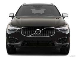Display Front view of the Volvo XC60 PHEV
