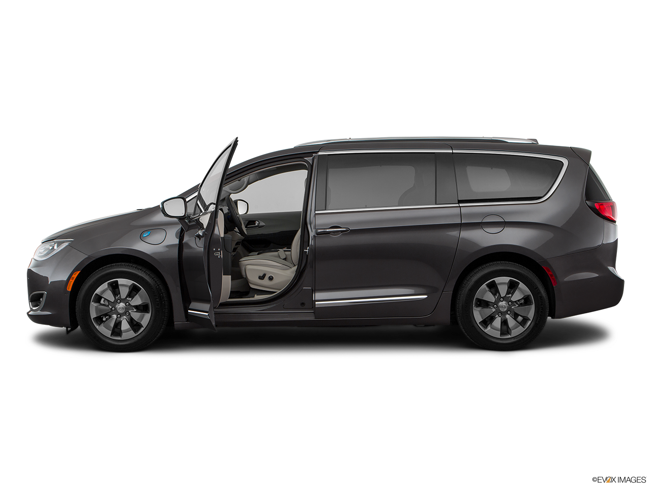 Side view of the Chrysler Pacifica