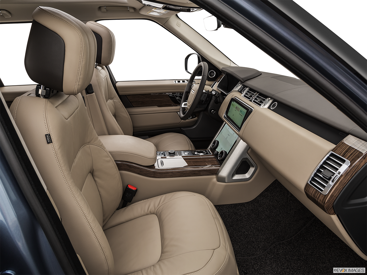 Interior view of the Land Rover Range Rover PHEV