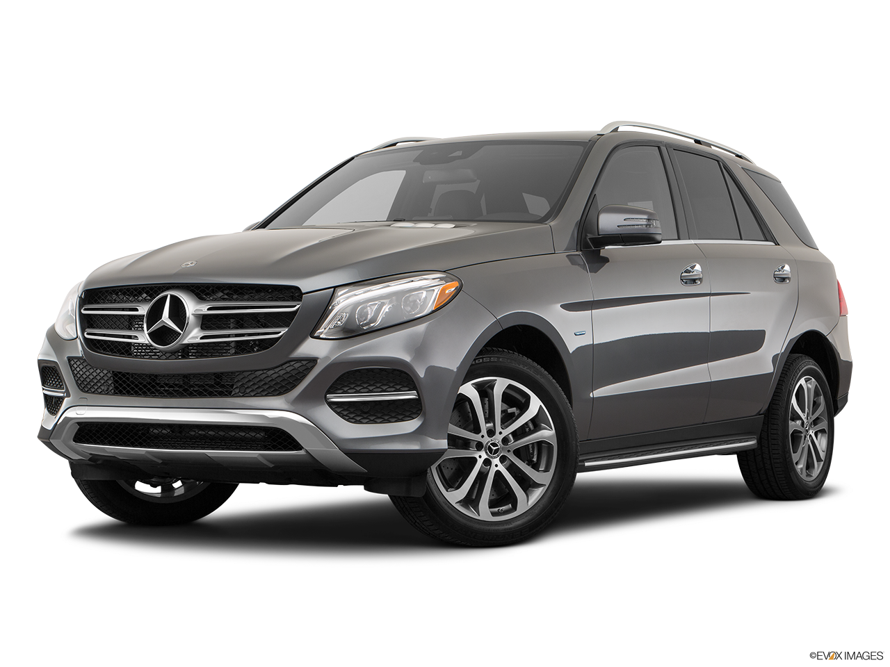 Three quart view of the Mercedes-Benz GLE550e
