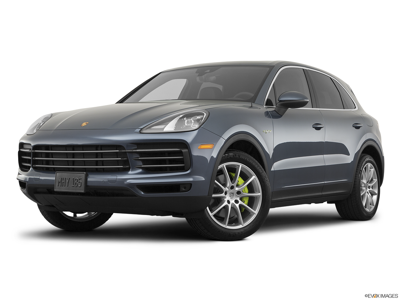 Three quart view of the Porsche Cayenne S E Hybrid