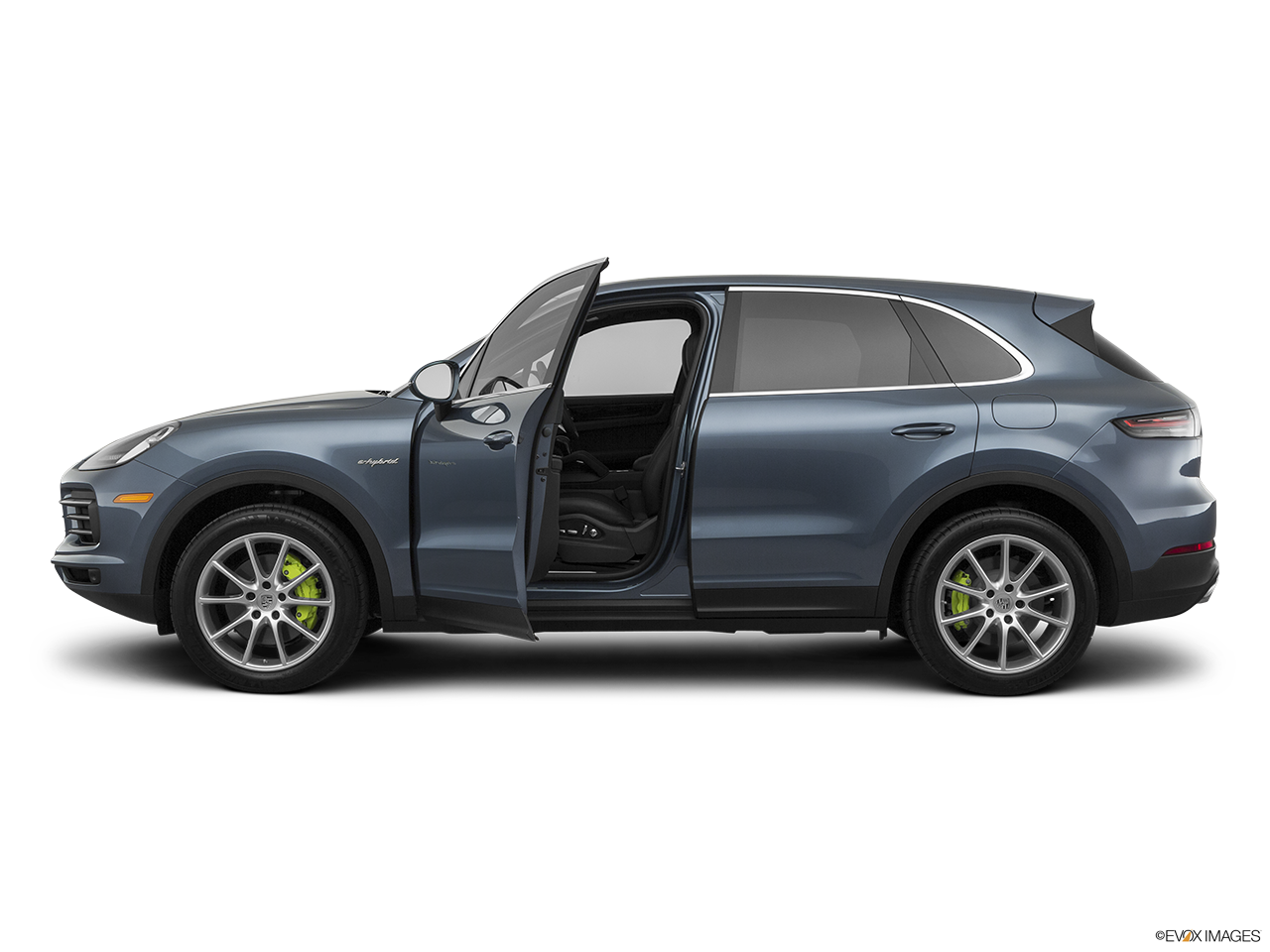 Side view of the Porsche Cayenne S E Hybrid