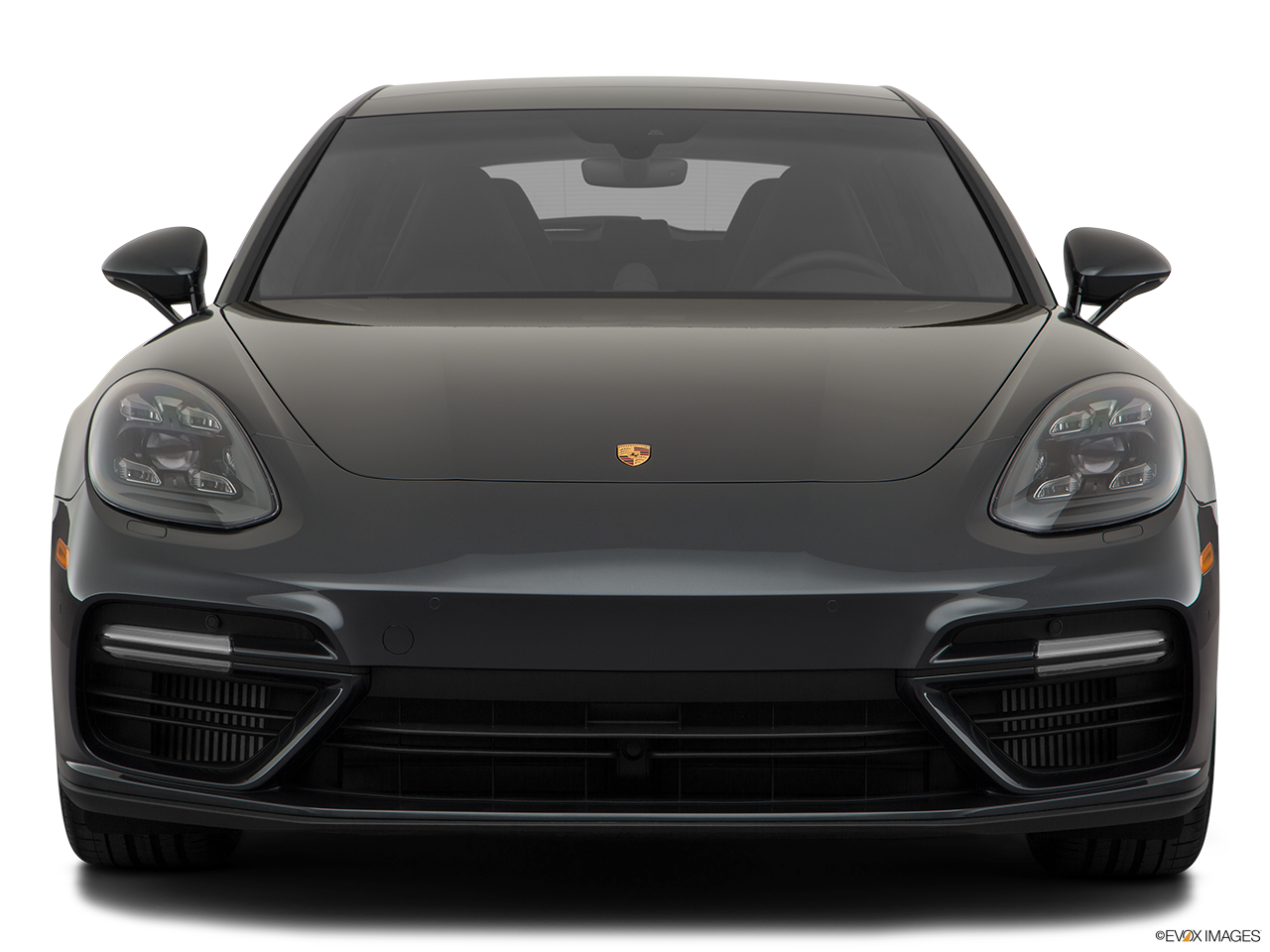 Front view of the Porsche Panamera 4 E-Hybrid