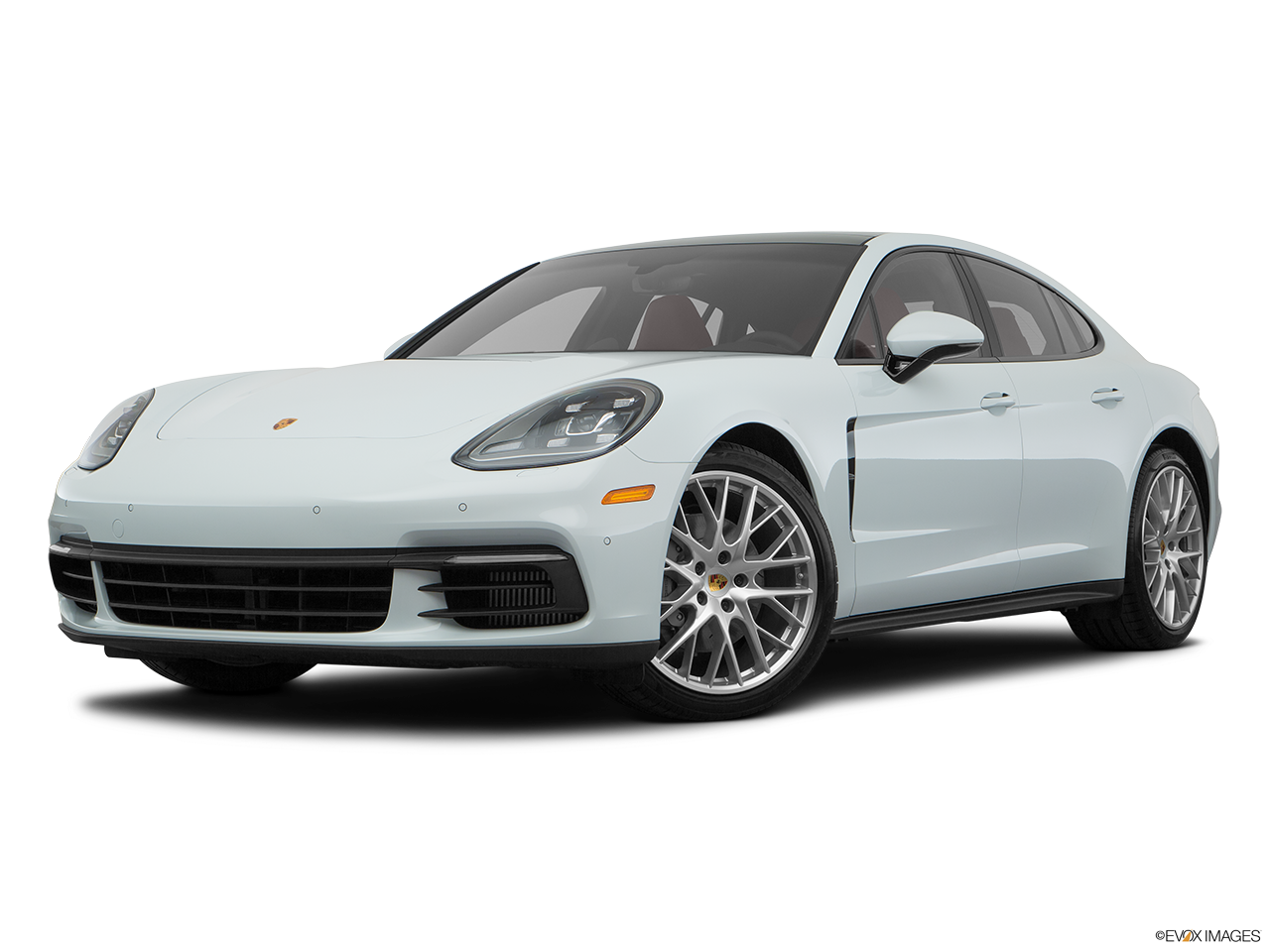 Three quart view of the Porsche Panamera Turbo S E-Hybrid