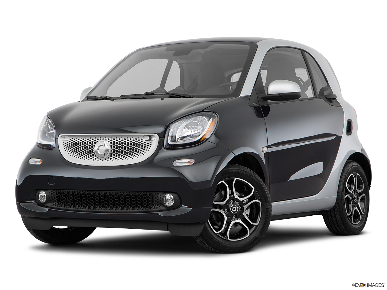 Three quart view of the Smart fortwo electric