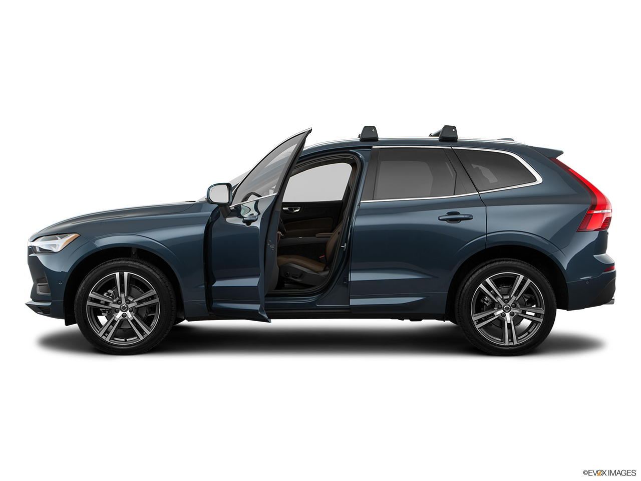 Side view of the Volvo XC60 PHEV