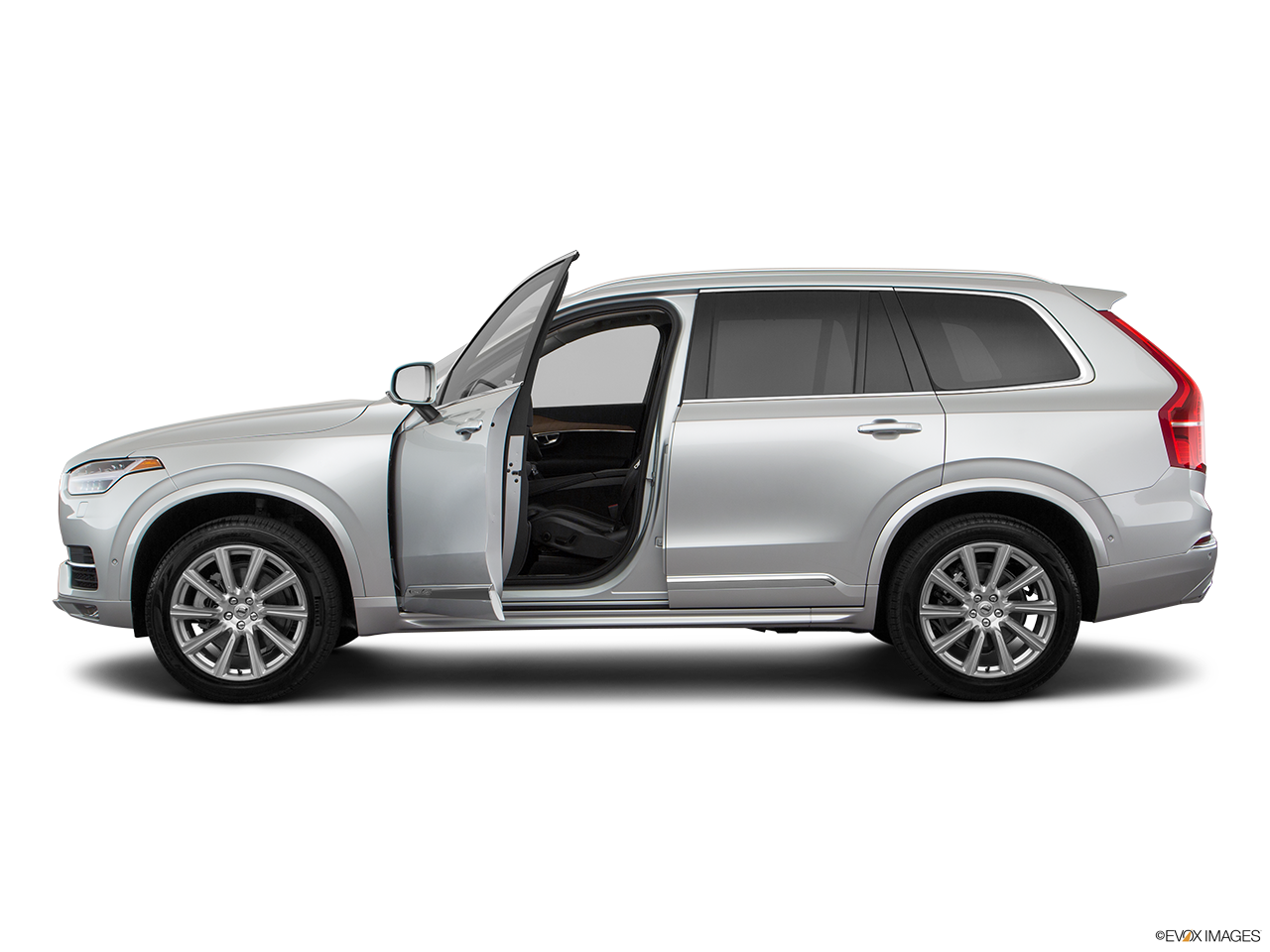 Side view of the Volvo XC90 PHEV