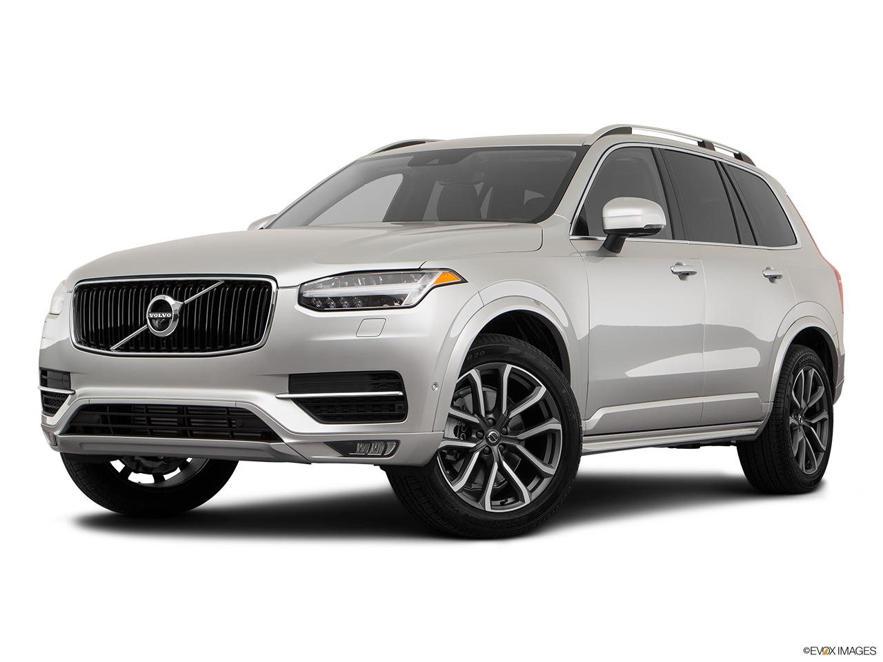 Three quart view of the Volvo XC90 PHEV